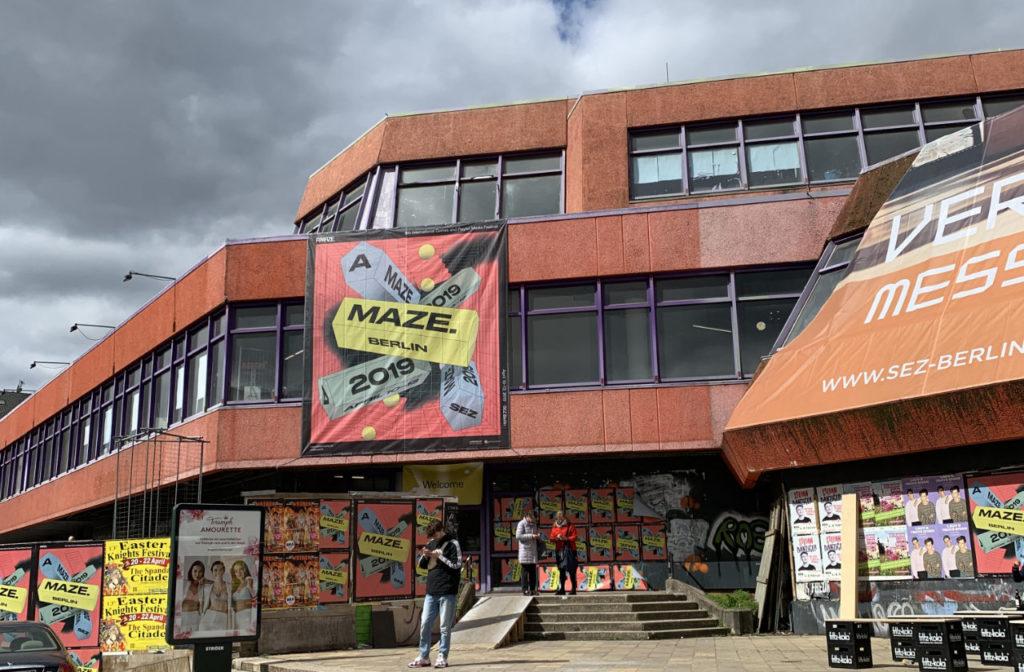 Das Sport- und Erholungszentrum (SEZ) war ein multifunktionaler Gebäudekomplex für Sport und Unterhaltung in Berlin-Friedrichshain.